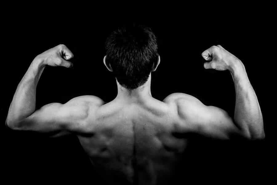 man shoulder muscles